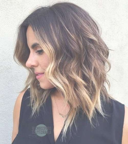 16 Flattering Medium Hairstyles For 2018 – Pretty Designs Regarding Recent Medium Hairstyles (View 3 of 25)