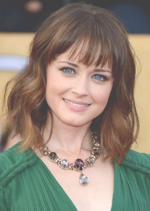 16 Stunning Celebrity Hairstyles To Frame Your Face Shapes In Most Recent Medium Hairstyles That Frame The Face (View 22 of 25)