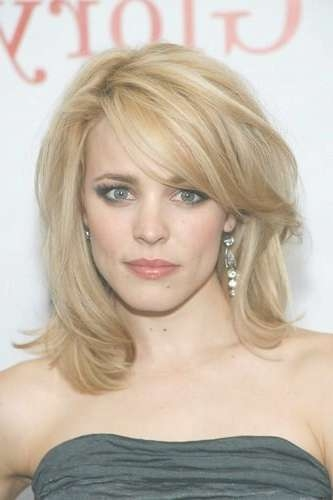18 Best Medium Hairstyles & Haircuts For Thick Hair Intended For Most Up To Date Side Bang Medium Hairstyles (View 19 of 25)