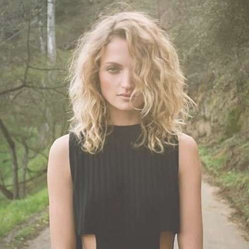 Showing Photos of Medium Haircuts For Wavy Frizzy Hair (View 16 of ...