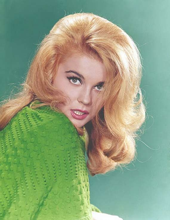 1960S Hairstyles For Women For Best And Newest 1960S Medium Hairstyles (View 2 of 25)