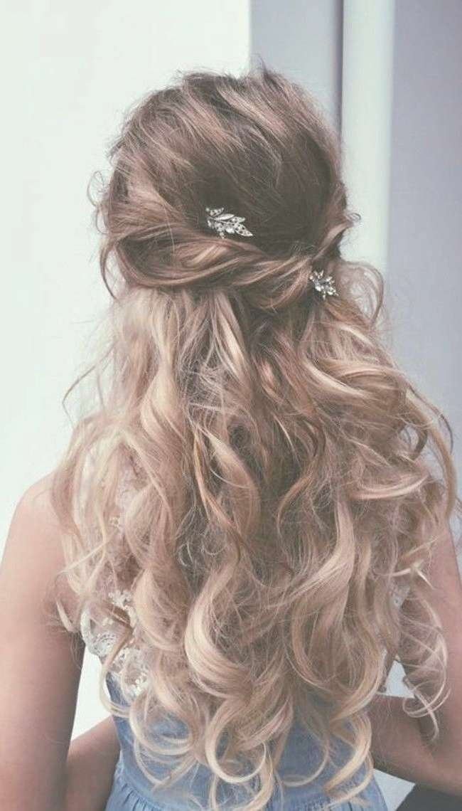 20 Best Of Long Hairstyle For Prom With Recent Long Hairstyle For Prom (View 14 of 25)