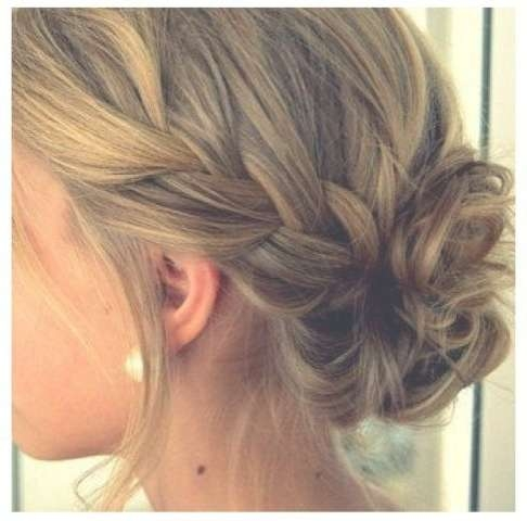 20 Chic Bridesmaid Hairstyles For Medium Length Hair | New Love Times Regarding Most Recently Medium Hairstyles For Weddings For Bridesmaids (View 1 of 15)