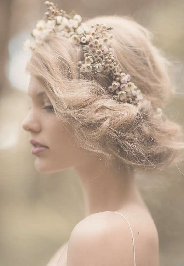 20 Fabulous Bridal Hairstyles For Long Hair | Styles Weekly Pertaining To 2018 Brides Medium Hairstyles (View 13 of 25)