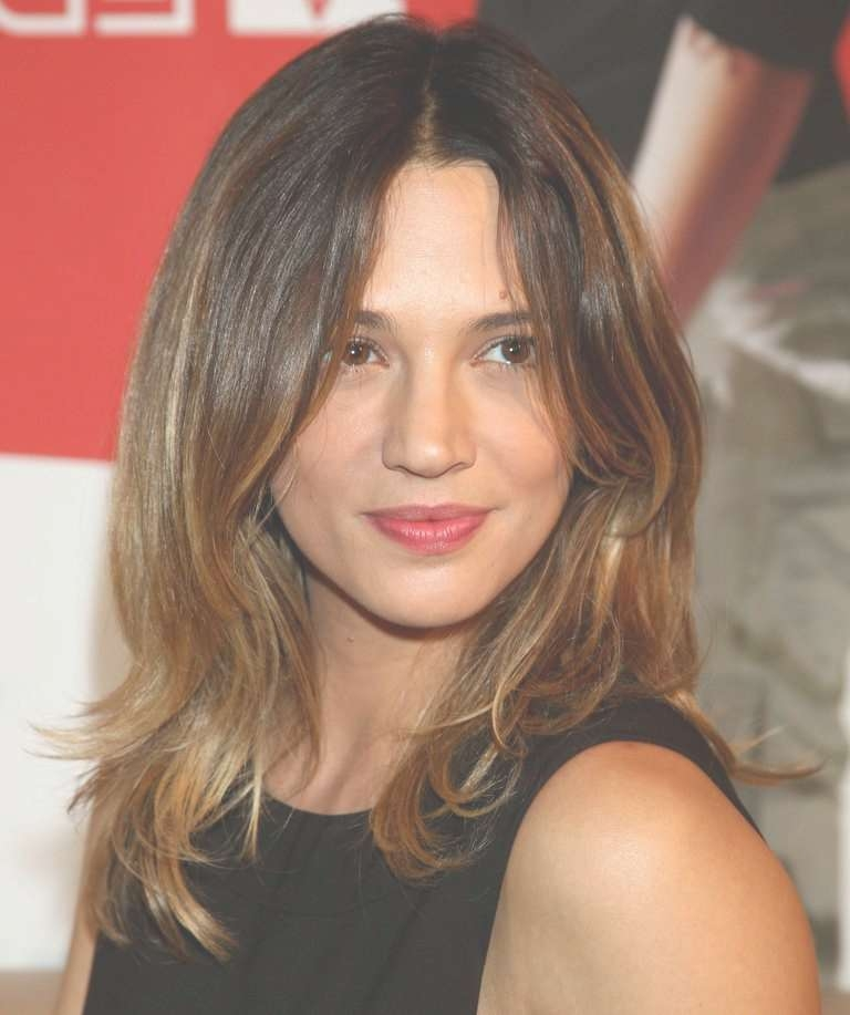 20 Flattering Hairstyles For Long Face Shapes With Regard To Latest Medium Haircuts For Oblong Face (View 25 of 25)