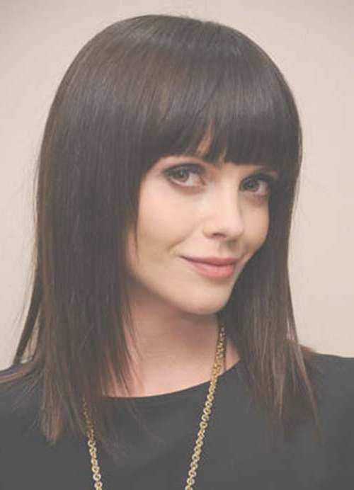 20 Haircuts With Bangs For Round Faces   Hairstyles & Haircuts With Regard To Recent Medium Haircuts With Bangs For Round Face (View 18 of 25)