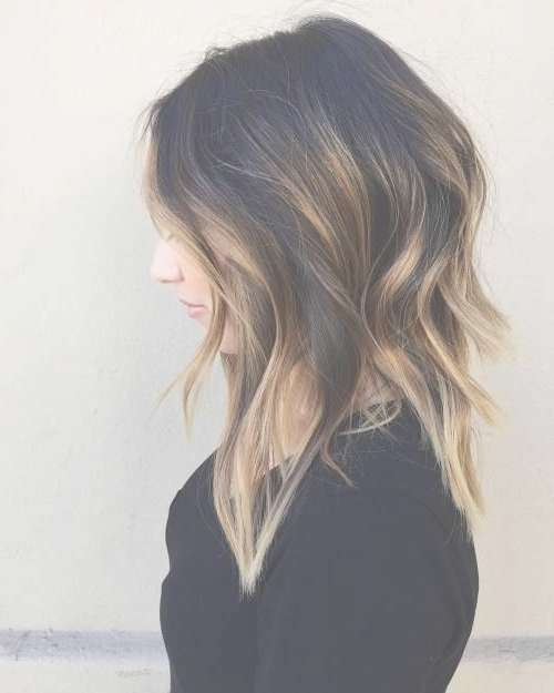 20 Lovely Medium Length Haircuts For 2017: Meidum Hair Styles For Within 2018 Highlighted Medium Hairstyles (View 14 of 25)