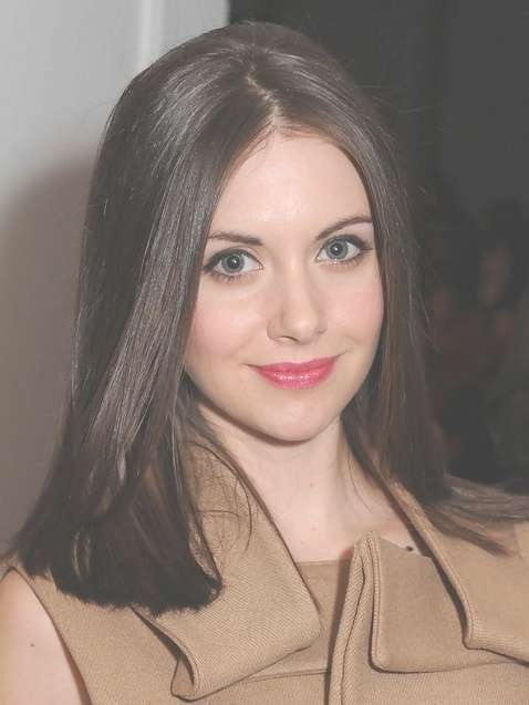 2014 Alison Brie Medium Hairstyles: Blunt Straight Haircut Within Most Recent Blunt Medium Haircuts (View 6 of 25)