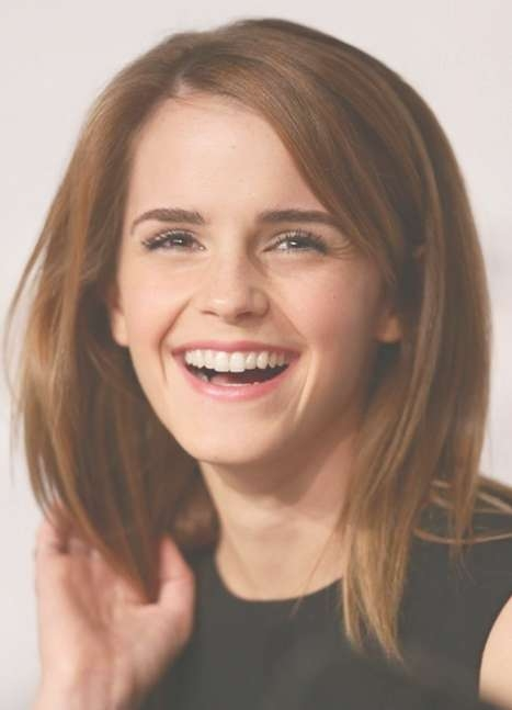 2014 Emma Watson Medium Hairstyles: Cute Straight Hair – Pretty Intended For Most Up To Date Medium Haircuts Straight Hair (View 25 of 25)