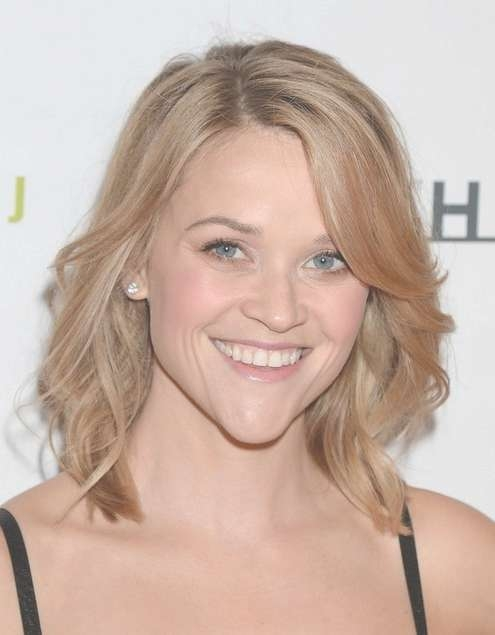 2014 Reese Witherspoon Medium Hairstyles: Side Swept Long Fringe Throughout Recent Medium Haircuts With Side Fringe (View 17 of 25)