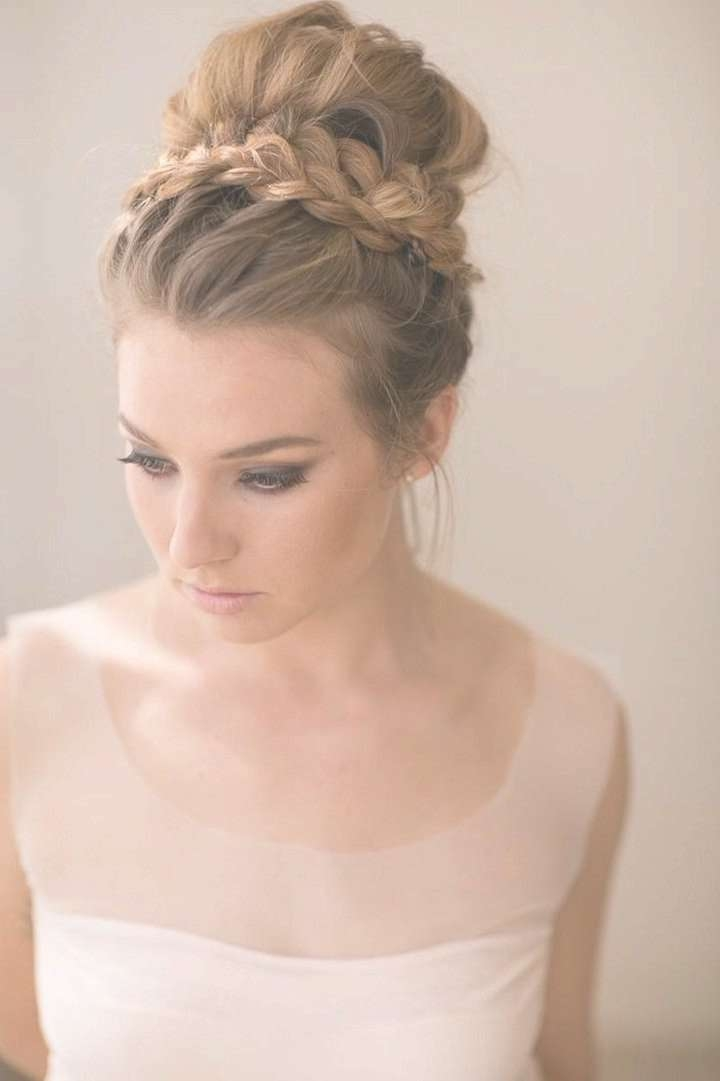 2017 Casual Wedding Hairstyles For Medium Hair Regarding Most Recently Wedding Medium Hairstyles (View 1 of 25)