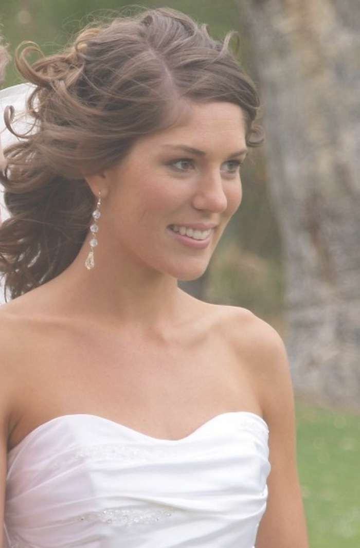 2017 Medium Length Hairstyles For Brides Within Most Current Brides Medium Hairstyles (View 20 of 25)