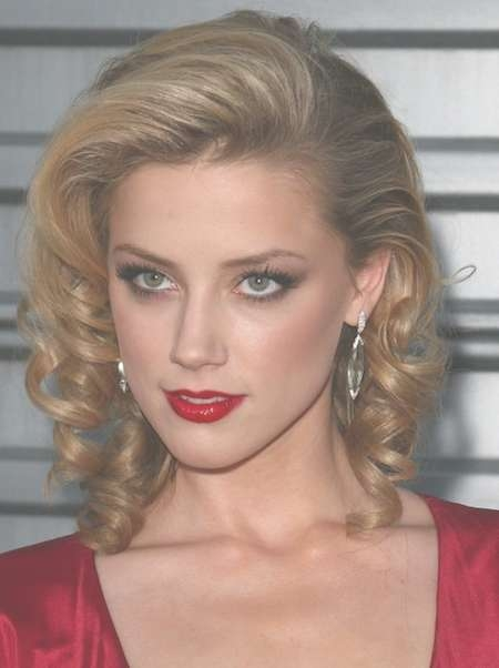 Featured Photo of One Side Medium Hairstyles