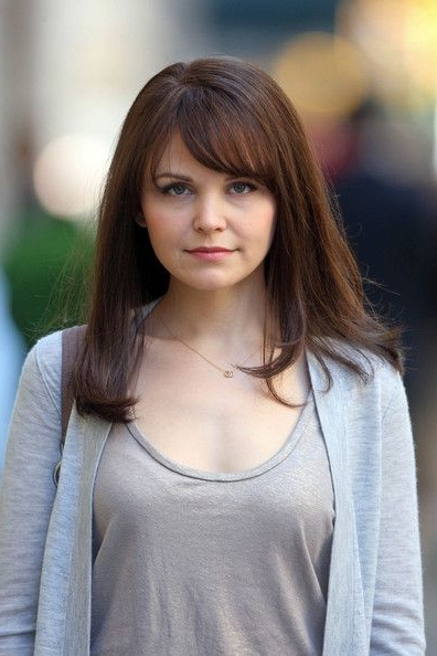 21 Trendy Hairstyles To Slim Your Round Face – Popular Haircuts In Most Recent Medium Haircuts With Bangs For Round Faces (View 25 of 25)