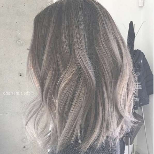 22 Trendy And Tasteful Two Tone Hairstyle You'll Love – Popular For Newest Medium Hairstyles And Colors (View 23 of 25)