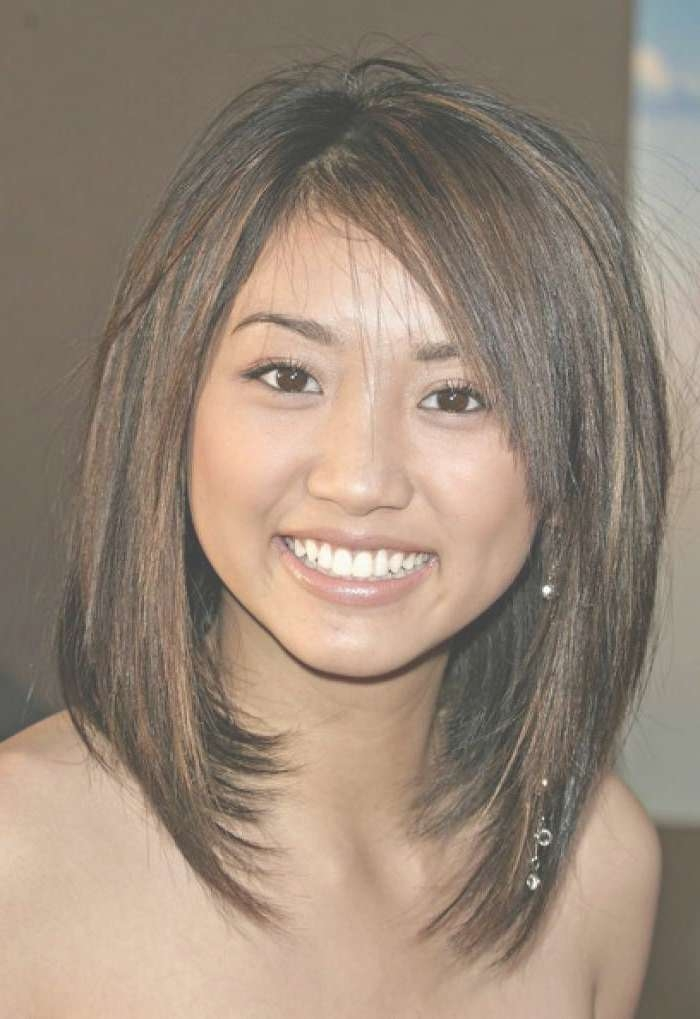 25 Beautiful Medium Length Haircuts For Round Faces » Wassup Mate Throughout 2018 Medium Hairstyles For Women With Round Faces (View 3 of 25)