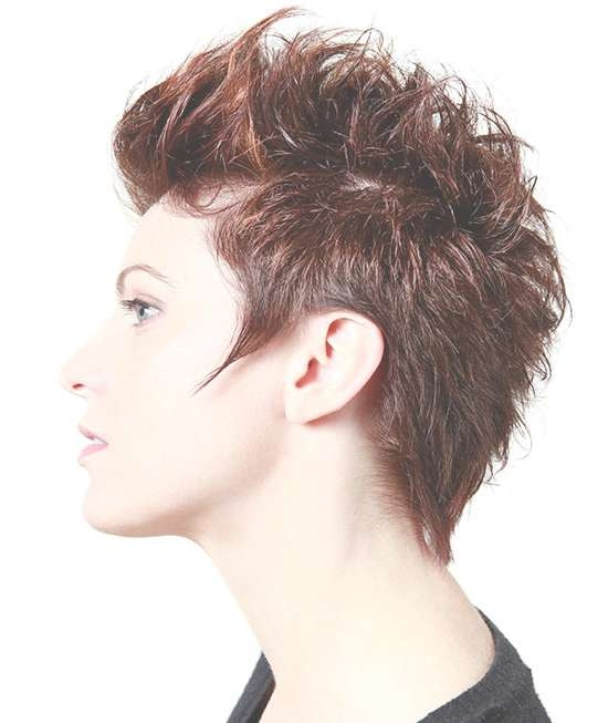 25 Hairstyles To Slim Down Round Faces For Most Recently Medium Haircuts That Cover Your Ears (View 18 of 25)