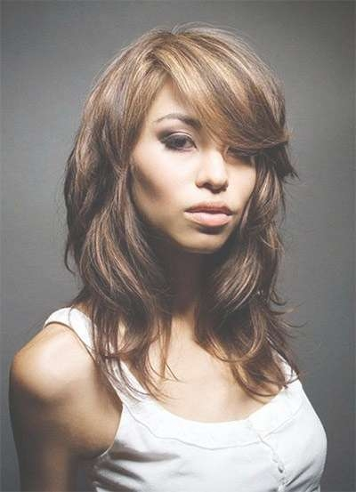 25 + Modern Medium Length Haircuts With Bangs , Layers For Thick Intended For Best And Newest Medium Haircuts With Bangs For Round Face (View 20 of 25)