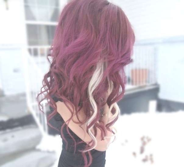 25 Perfect Burgundy Hair Color Styles Inside 2018 Burgundy Medium Hairstyles (View 9 of 15)