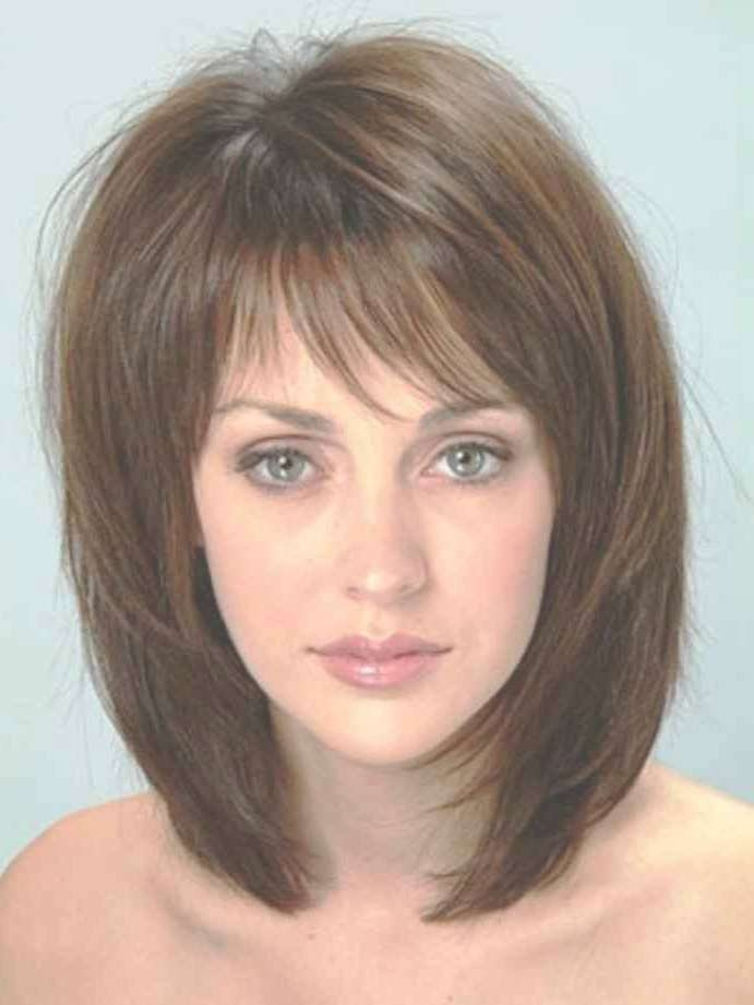 Showing Photos Of Medium Haircuts For Round Faces And Thick Hair