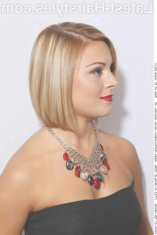 27 Short Straight Hairstyles Trending Right Now (Updated For 2018) Regarding Straight Bob Hairstyles (View 18 of 25)