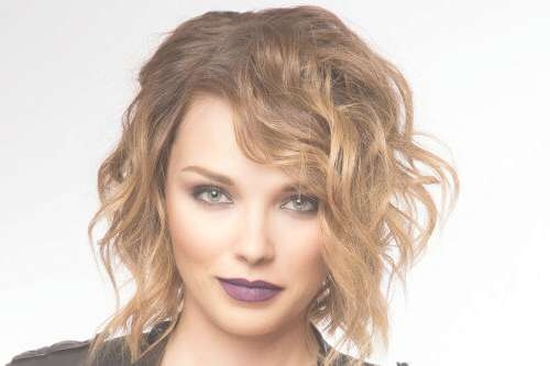28 Effortlessly Chic Medium Length Wavy Hairstyles Throughout Best And Newest Messy Medium Hairstyles (View 3 of 25)