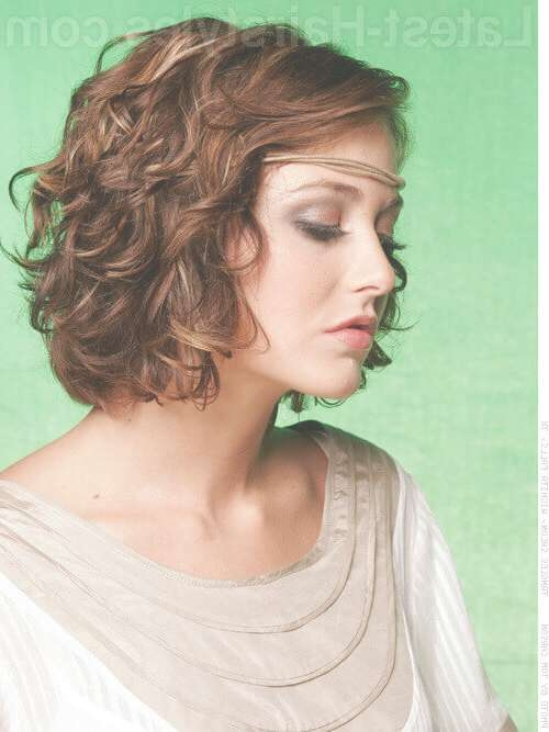 29 Effortlessly Chic Medium Length Wavy Hairstyles Inside Most Popular Medium Haircuts For Very Curly Hair (View 8 of 25)