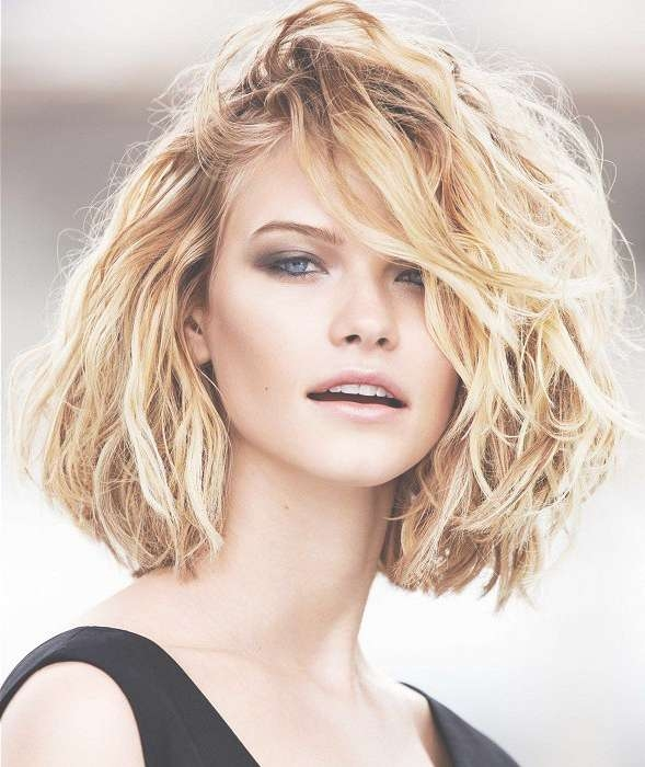 30 Easy And Chic Messy Hairstyles And Updos – Part 6 For Most Up To Date Messy Medium Haircuts For Women (View 6 of 25)