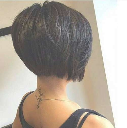 30 Layered Bob Haircuts For Weightless Textured Styles Pertaining To Bob Haircuts With Layers (View 15 of 25)