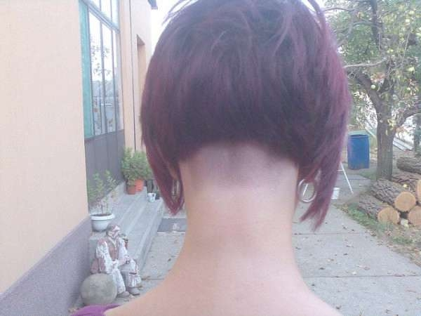 30 Stylish Inverted Bob Haircut – Slodive Regarding Bob Haircuts Shaved In Back (View 10 of 25)
