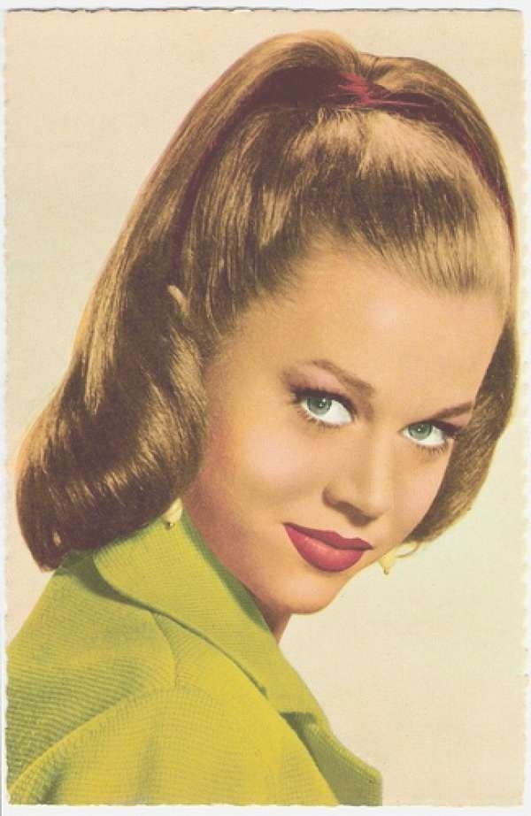31 Simple And Easy 50S Hairstyles With Tutorials – Beautified Designs With Most Up To Date 1950 Medium Hairstyles (View 14 of 25)