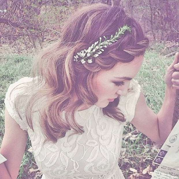 31 Wedding Hairstyles For Short To Mid Length Hair | Stayglam For Latest Medium Haircuts With Headbands (View 23 of 25)