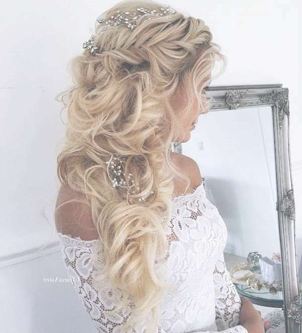 34 Easy Homecoming Hairstyles For 2018 Short,medium & Long Throughout Newest Homecoming Medium Hairstyles (View 9 of 15)