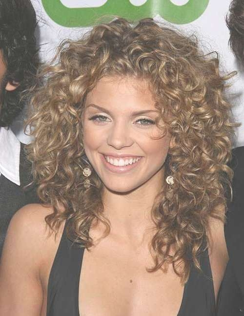 35 Medium Length Curly Hair Styles | Hairstyles & Haircuts 2016 – 2017 Inside Recent Medium Haircuts For Naturally Curly Hair (View 2 of 25)