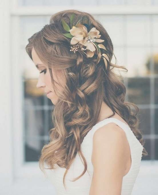 35 Wedding Hairstyles: Discover Next Year's Top Trends For Brides Regarding Latest Wedding Half Up Medium Hairstyles (View 21 of 25)