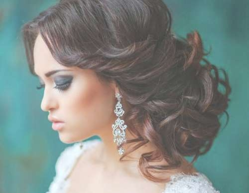 5 Inspirational Medium Curly Hairstyles For Every Day & Special In Most Recently Medium Hairstyles For Special Occasions (View 6 of 25)
