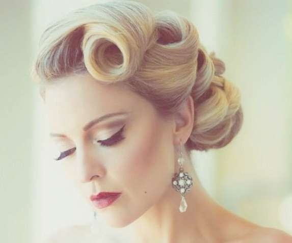 50S Hairstyles: 11 Vintage Hairstyles To Look Special | Hairstylo Intended For Most Recently Fifties Medium Hairstyles (View 7 of 25)