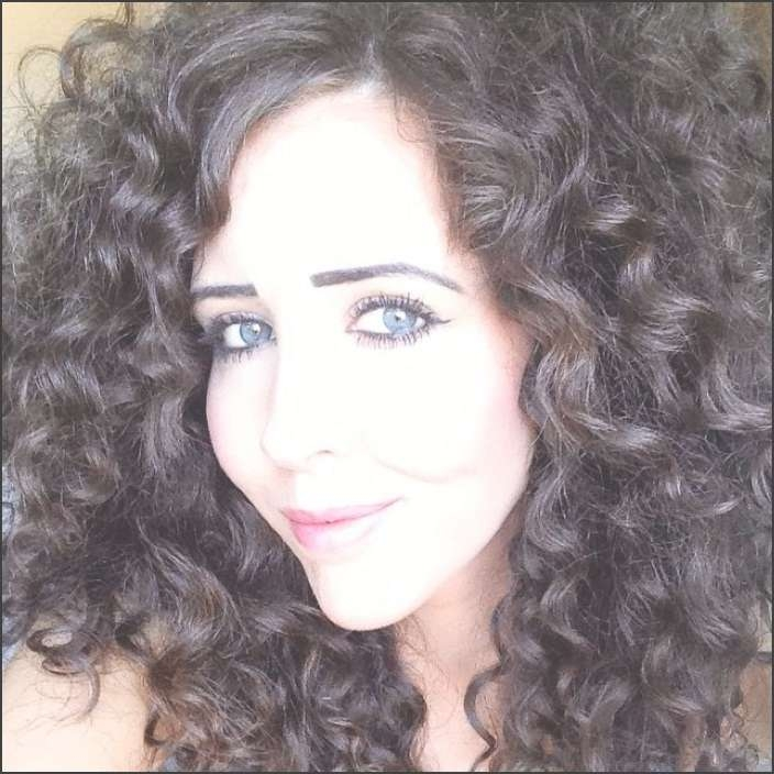 54 Best Hairstyles For Medium Thick Hair – Hollywood Official Throughout Most Popular Medium Haircuts For Thick Curly Frizzy Hair (View 25 of 25)