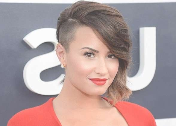 60 Modern Shaved Hairstyles And Edgy Undercuts For Women With Best And Newest Undercut Medium Hairstyles For Women (View 18 of 25)