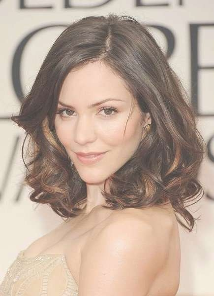 60+ Popular Shoulder Length Hairstyles Pertaining To Most Up To Date Medium Haircuts For Curly Hair And Round Face (View 7 of 25)