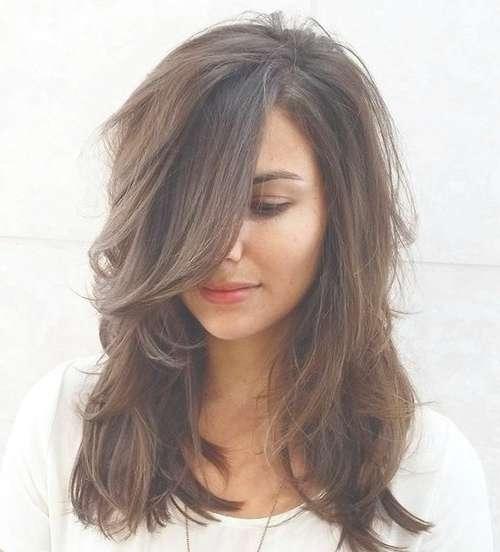 25 collection of medium haircuts layered solutioingenieria Choice Image