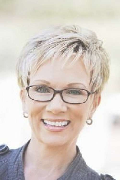 76 Best Hairstyles And Glasses Images On Pinterest | Hair Dos For Best And Newest Medium Hairstyles For Women Who Wear Glasses (View 14 of 15)