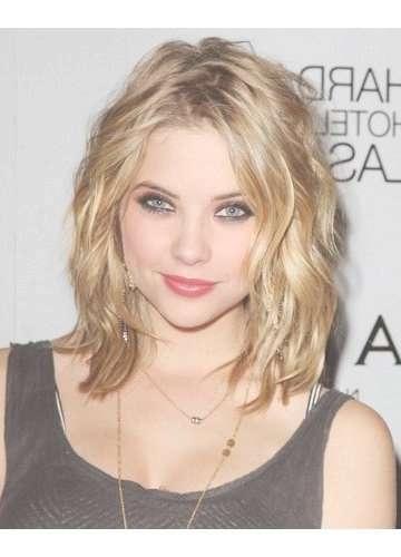 Featured Photo of Strawberry Blonde Medium Hairstyles