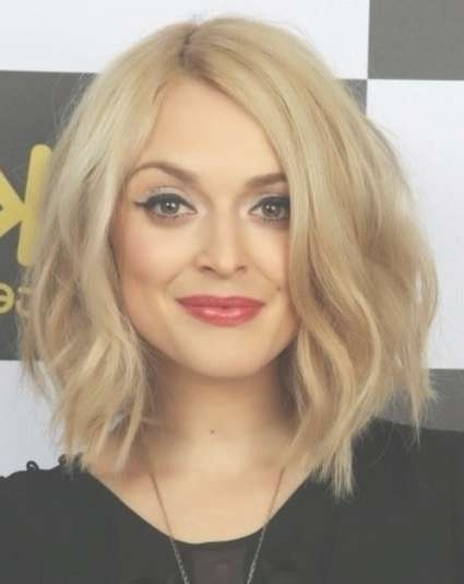 Amazing Wavy Medium Hairstyles Round Faces Pertaining To Best And Newest Wavy Medium Hairstyles For Round Faces (View 2 of 15)