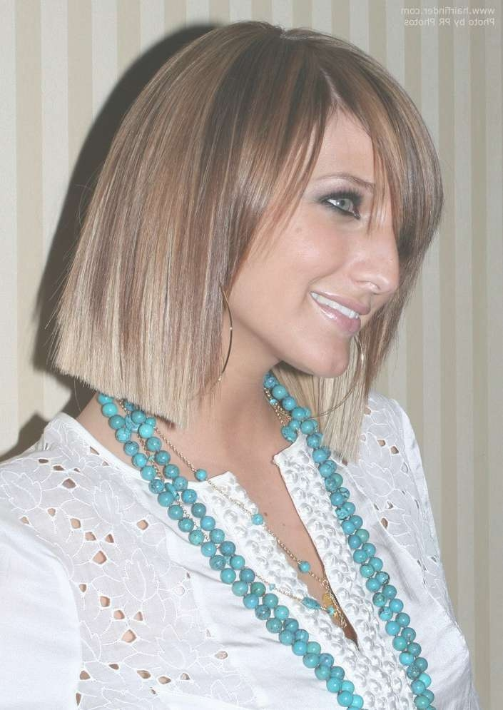 Ashlee Simpson | Blunt Cut Bob Hairstyle With Blonde Tipping On For Most Up To Date Ashlee Simpson Medium Hairstyles (View 4 of 15)