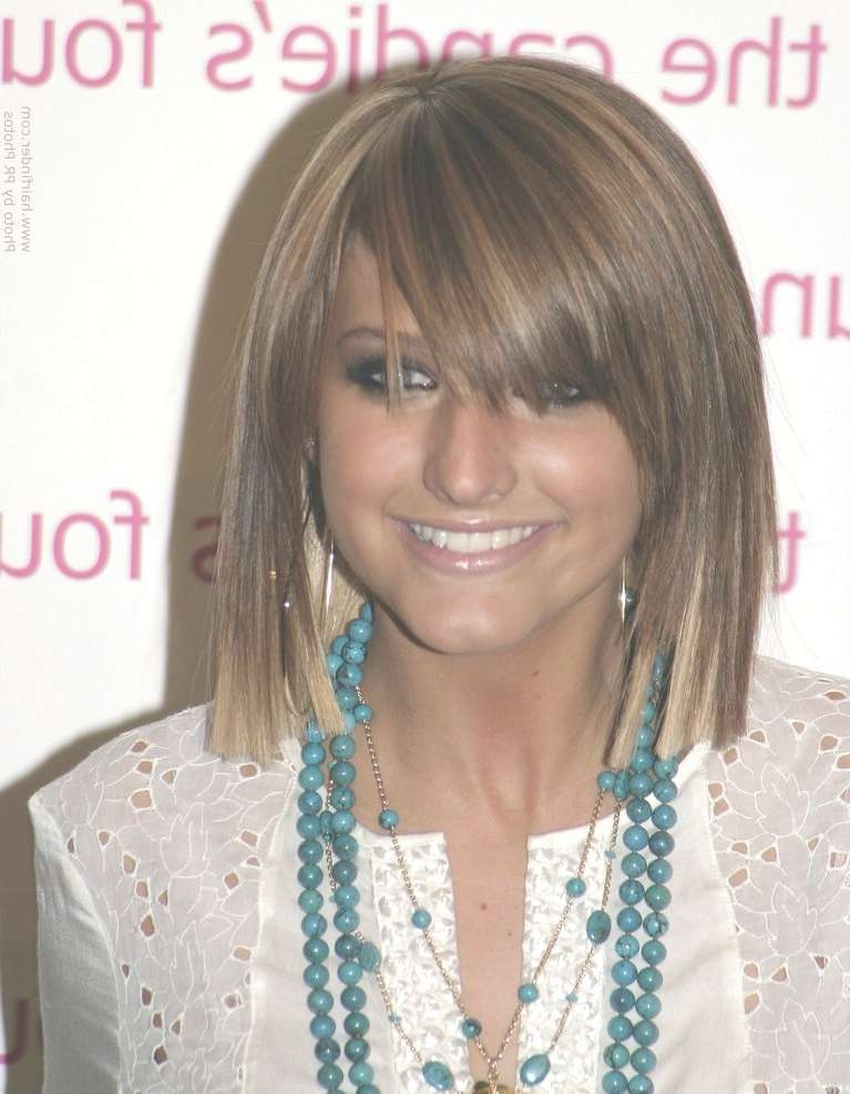 Ashlee Simpson | Blunt Cut Bob Hairstyle With Blonde Tipping On Pertaining To 2018 Ashlee Simpson Medium Hairstyles (View 11 of 15)