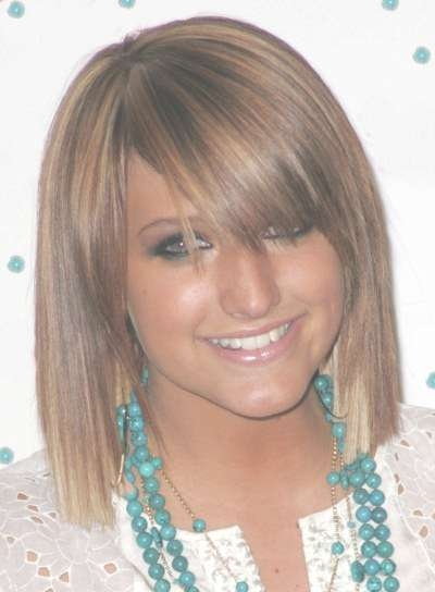 Ashlee Simpson Shaggy Bangs – Casual, Summer, Everyday Inside Best And Newest Ashlee Simpson Medium Hairstyles (View 13 of 15)