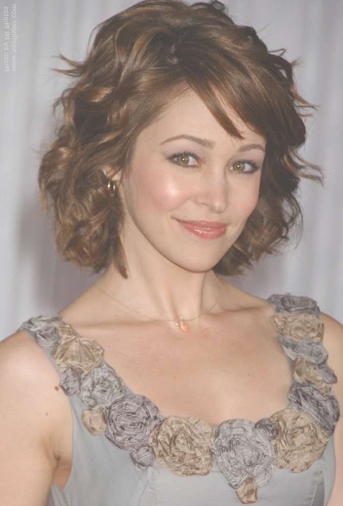 Autumn Reeser | Medium Length Hairstyle For Women With A Petite Pertaining To Current Medium Hairstyles For Petite Faces (View 5 of 15)