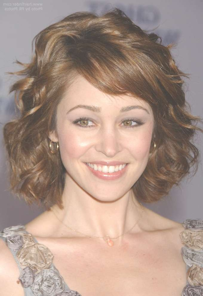 Featured Photo of Medium Hairstyles For Petite Faces