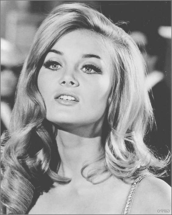 Best 25+ 60S Hairstyles Ideas On Pinterest | Women's 60S Looks Intended For Most Up To Date 1960S Medium Hairstyles (View 8 of 25)